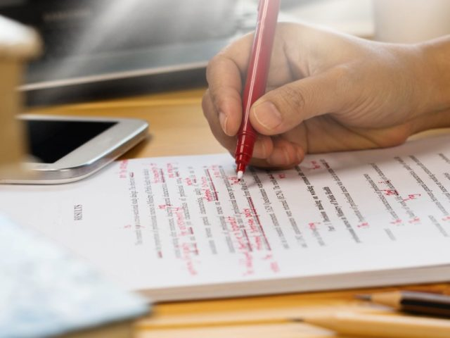 How an English editing service can ensure perfect translations