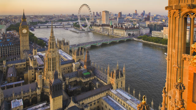 Cities you should visit this summer to learn…English!