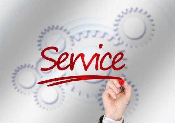 ¿Cuánto debería cobrar un servicio de traducción profesional?